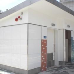 【納入事例】■プロジェクト名/大阪市公衆トイレ■シリーズ名/パリトーンPSシリーズ−ホワイト■用途/公衆トイレ外壁