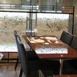 【納入事例】■プロジェクト名/札幌市飲食店■シリーズ名/パリトーンPLシリーズ−213 雪花■用途/パーテーション